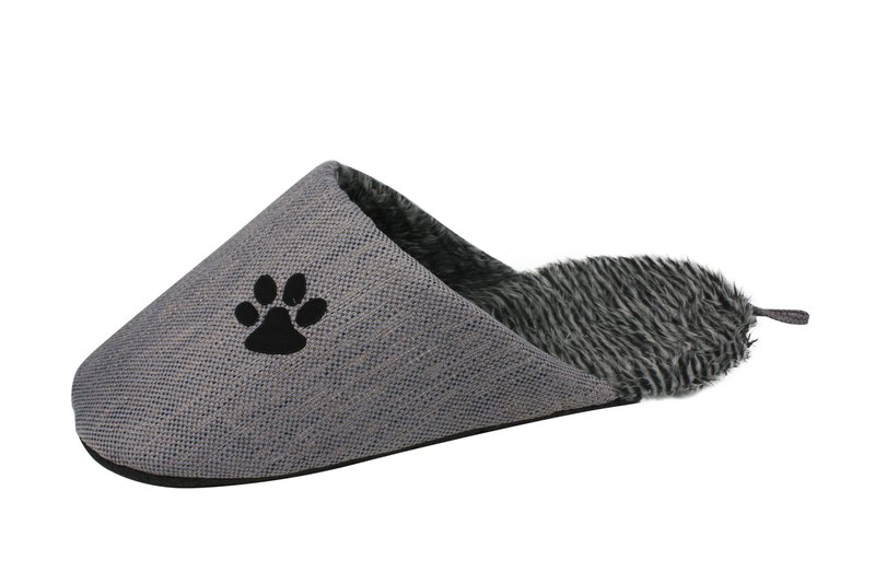 Pet Life Slip-On Fashionable Slipper Dog Bed: One Size, Grey
