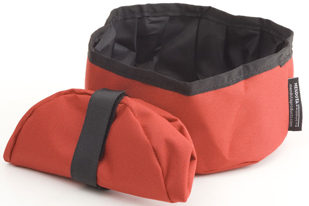 Mendota Pet Collapsible Water Bowl: Red