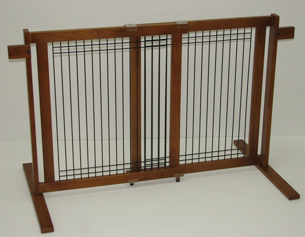 Crown Pet™ Tall Gate Wood/Wire: Chestnut, Small Span