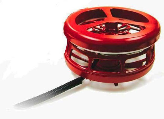 "K&H Pet Products Ultimate Pail Heater No floater! with Cord Clip: 250 Watt, 7"" x 7"" x 5"""