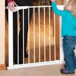 "Kidco Gateway Pressure Mounted Pet Gate White 29"" - 37"" x 29.5"""